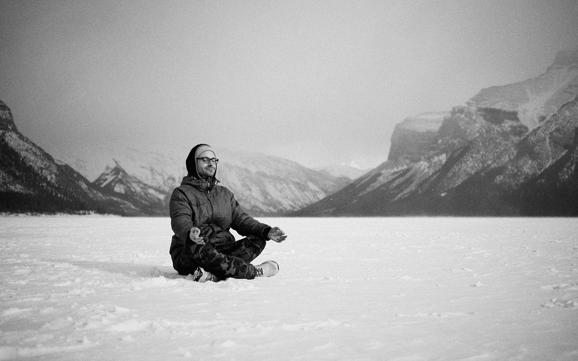 Simon-Calnan-Meditation-Mountains-Canada-Frozen-Lake